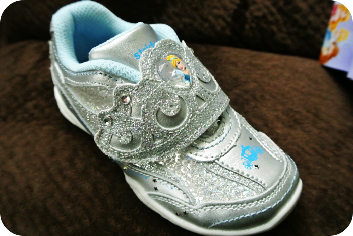 stride rite light up shoes