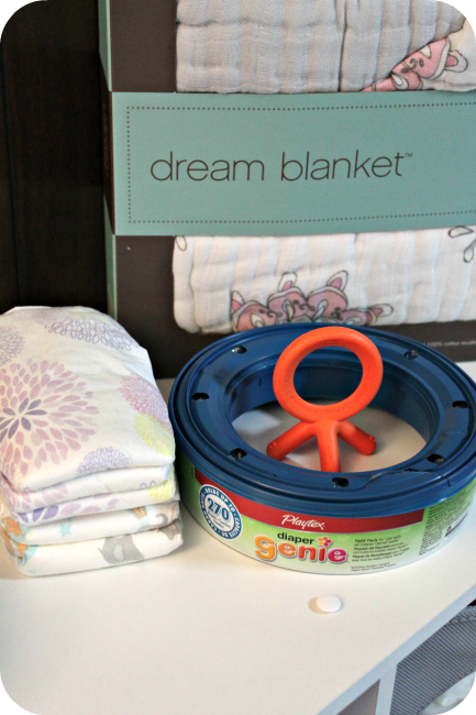 10 Baby Shower Gifts and Registry Items for Mom!