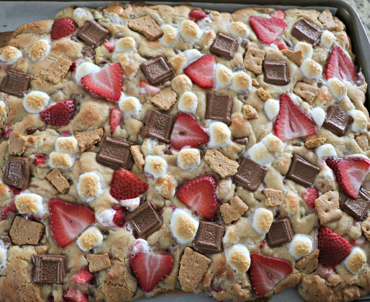 S'mores Cookie Bars with Strawberry