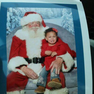 Saturday Laughs: Santa Picture!