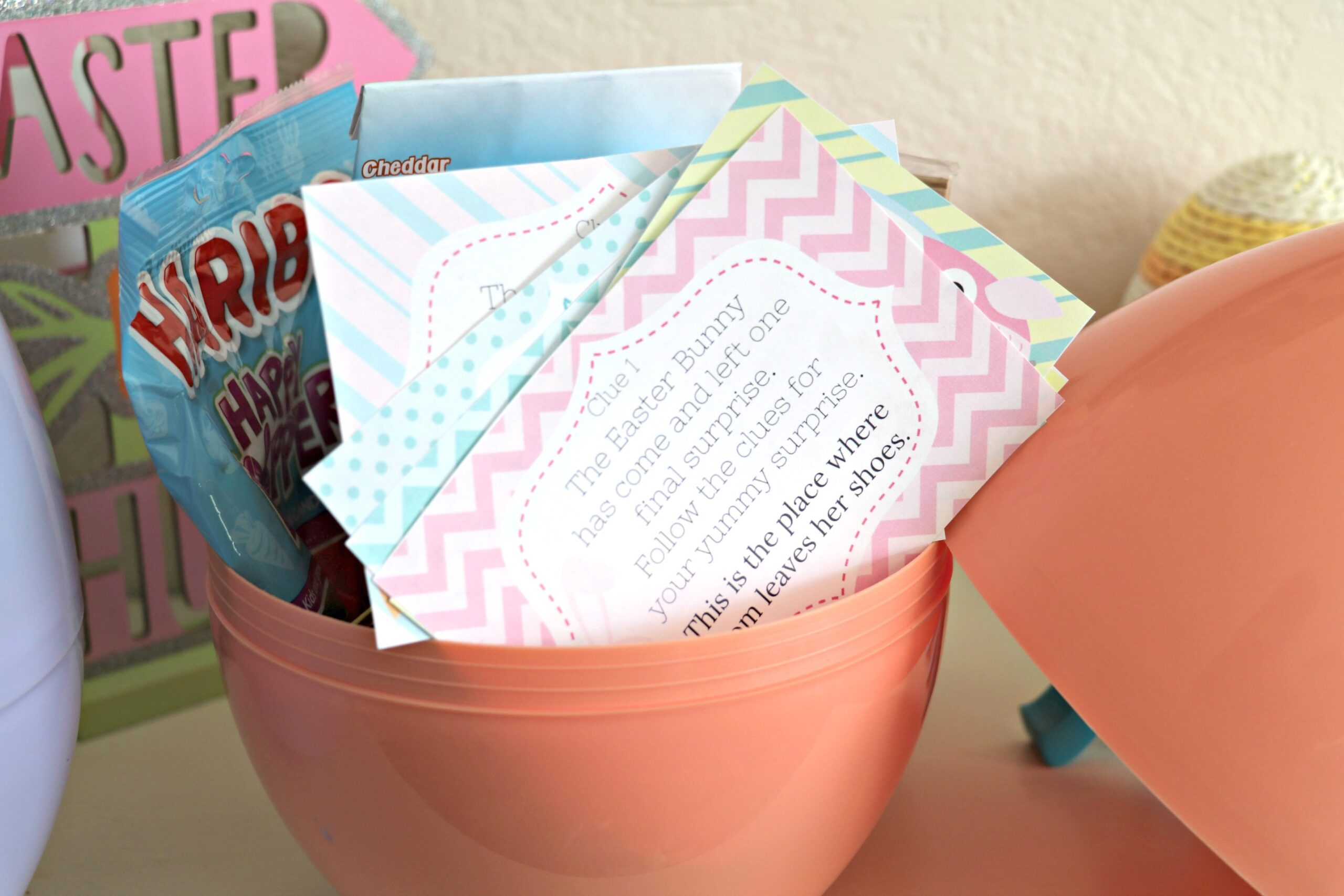 Kids Scavenger Hunt for Easter with Jumbo Easter Egg Prize – FREE PRINTABLE!