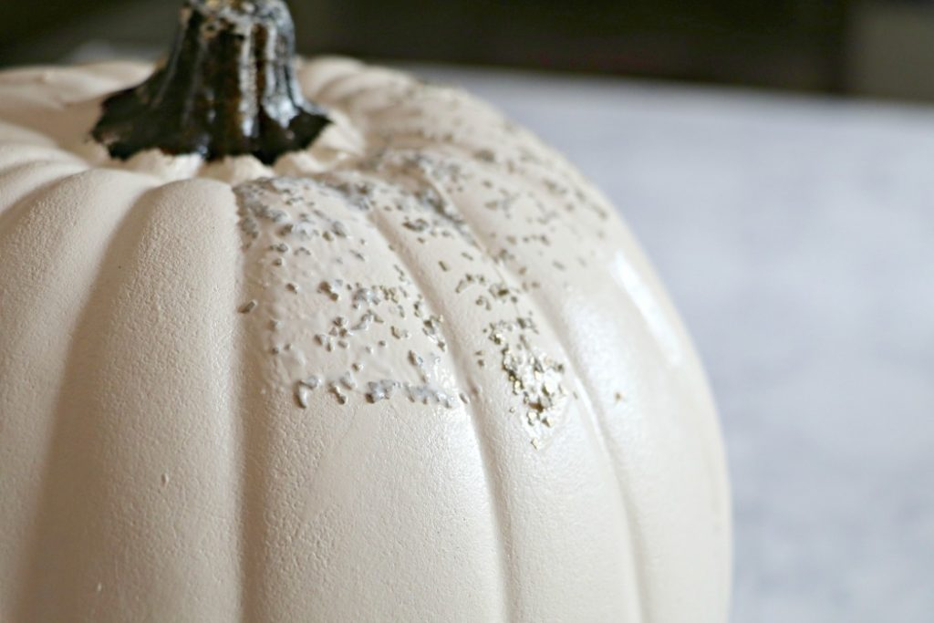 Glitter a craft pumpkin