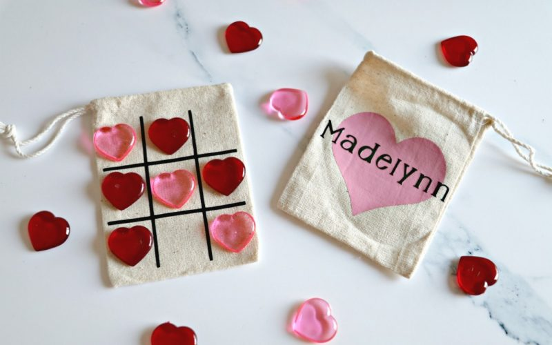 Cheap & Easy DIY Class Valentine's: Tic Tac Toe Bags