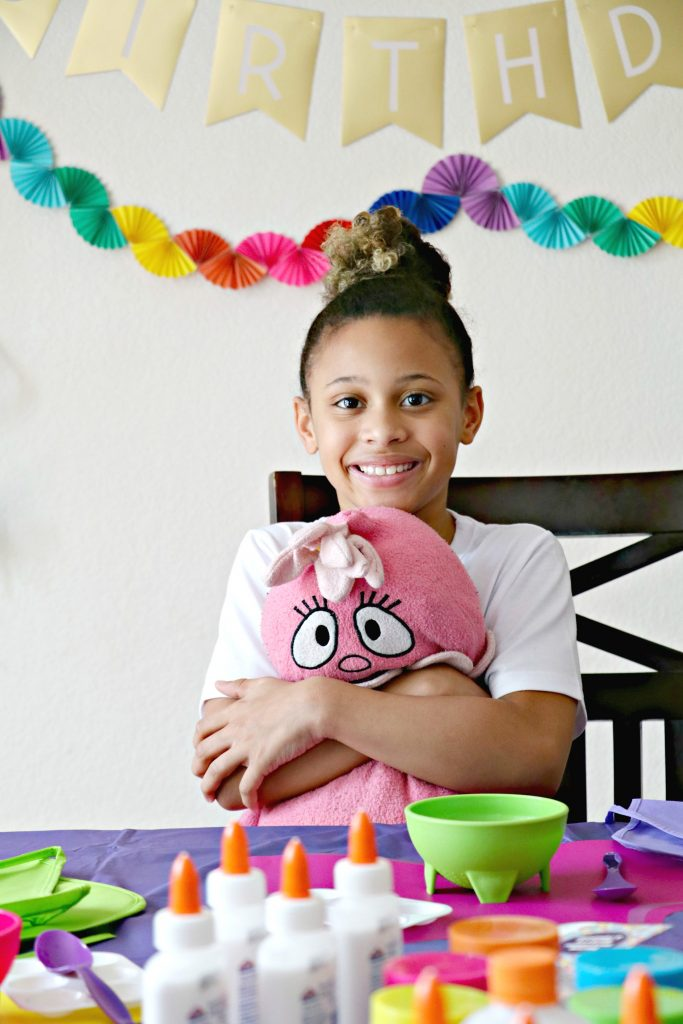 how to have a slime birthday party at home