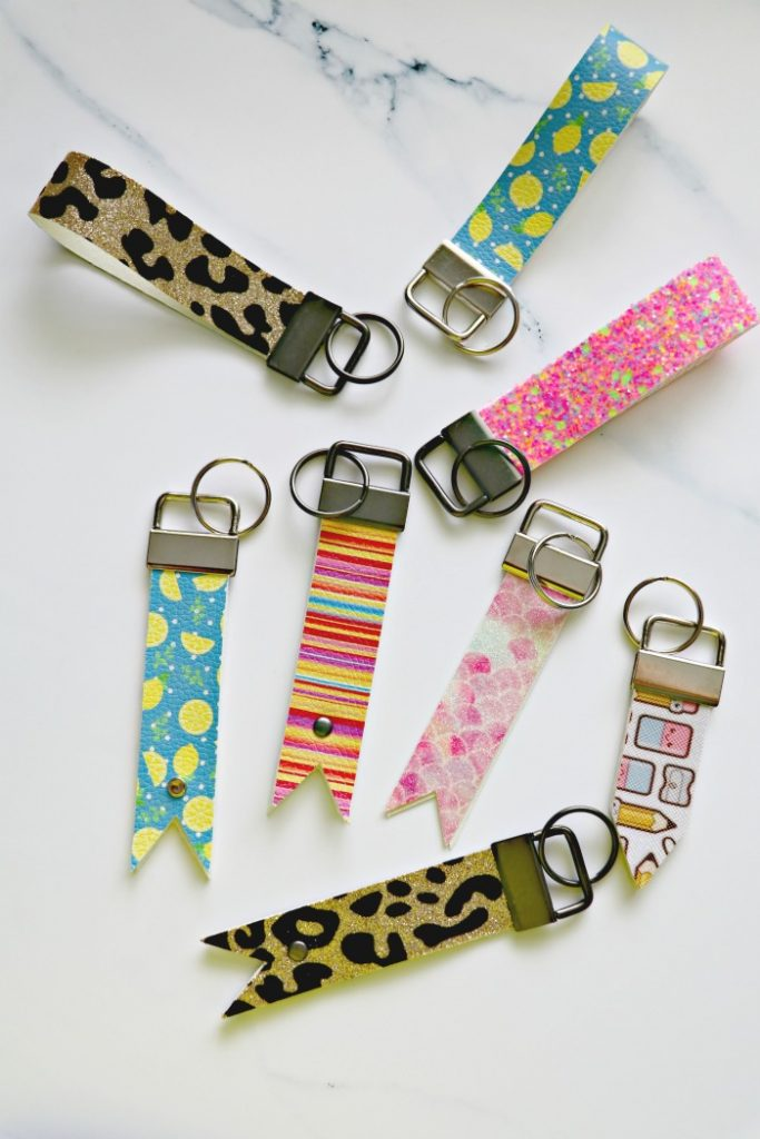 How to make leather keychains with Cricut Explore Air 2