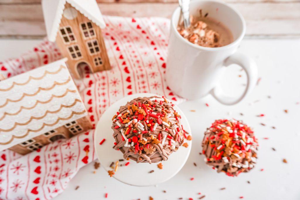gingerbread hot chocolate bomb recipe