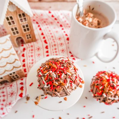 Gingerbread Hot Chocolate Bomb (Video)